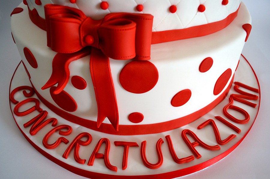 Torta di laurea cake design torte personalizzate a roma for Laurea in design